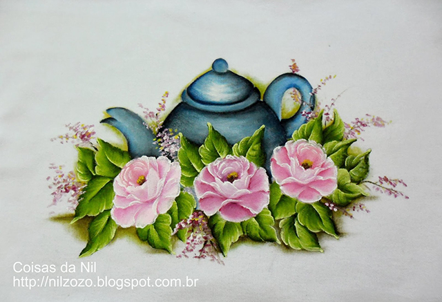 pintura em tecido bule e rosas