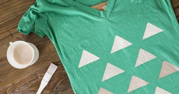 A pintura em camisetas é uma ótima área para quem deseja ganhar dinheiro  com pintura em tecido. Se você se interessa por esse tipo de trabalho 43712d9d87deb