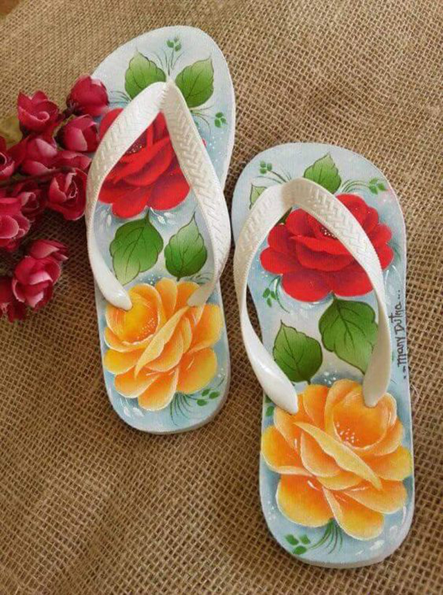 pintura em chinelos personalizados