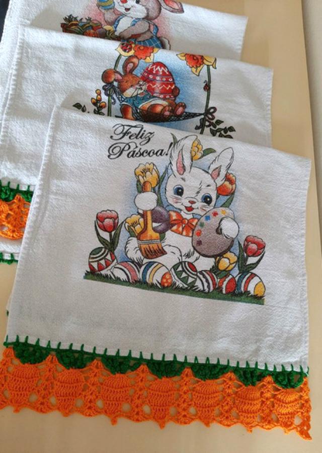 Pinturas de coelhos em pano de prato