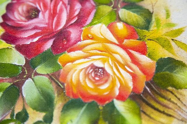 Pintura de rosas vermelha e laranja